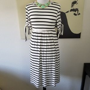 Bellamie Black&White Striped Dress with Pockets L